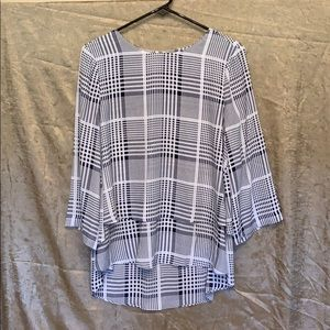 CHAUS LADIES BLOUSE EUC SIZE SMALL